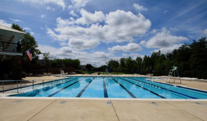 Leeland Station Community Pool