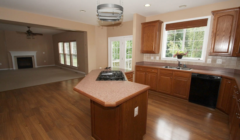 Center Island with Gas Cooktop