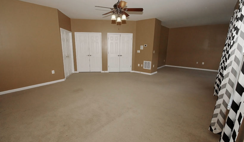 35 Neabsco Dr.Spacious owners suite with sitting area, walk-in closet